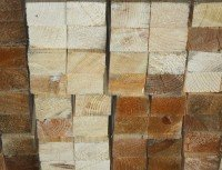 Тонкий деревянный брус