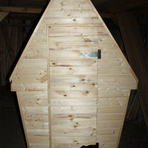 деревянная уборная